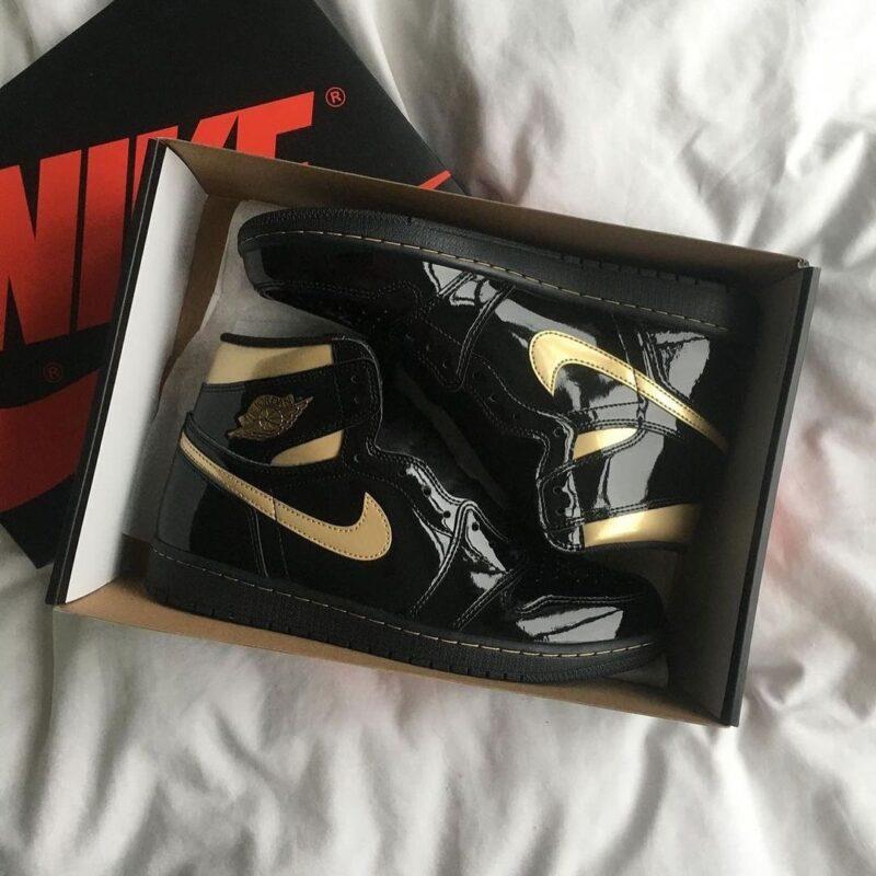 """Air Jordan 1 High OG """"Black Metallic Gold"""""""