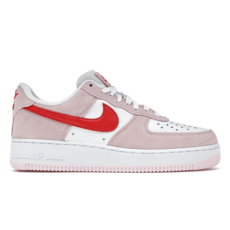 Nike Air Force 1 07 Valentine's Day